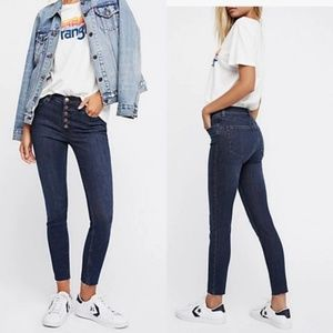 Free People Reagan Button Front Skinny Jeans 26